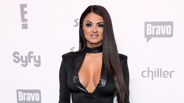 is jax dating gg from shahs of sunset The latest tweets from reza farahan star of bravo's hit show shahs of sunset rolling out with my crew mikeshouhed gg_golnesa theadamneely #shahs https:.