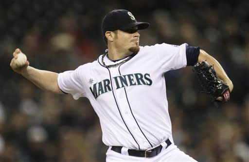 Seattle shuts out Rangers 1-0 behind Beavan