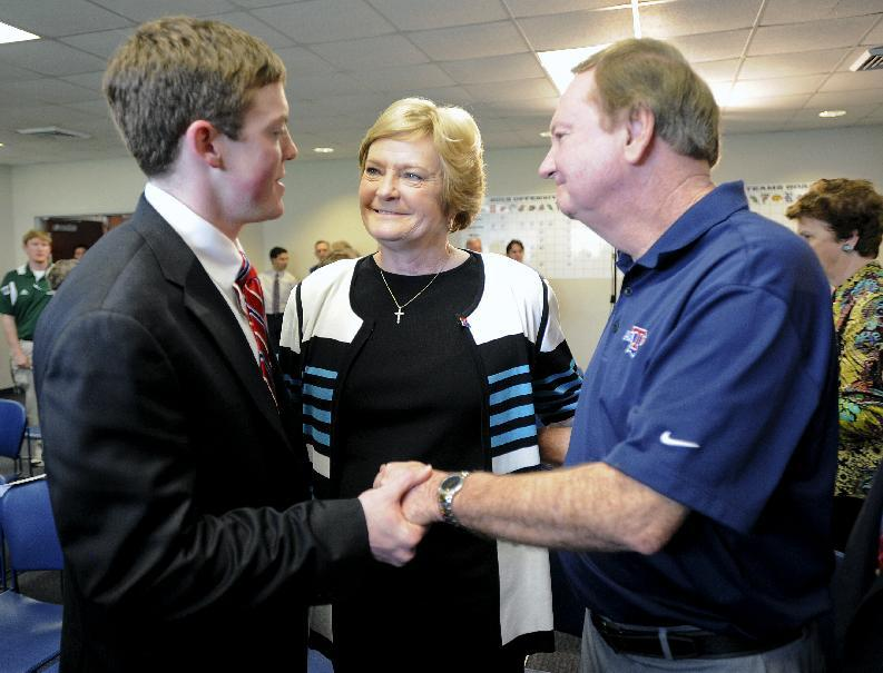 Summitt era at La. Tech opens with DeMoss hiring