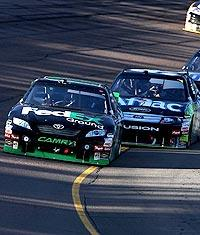 Hamlin goes from pedestal to the pits