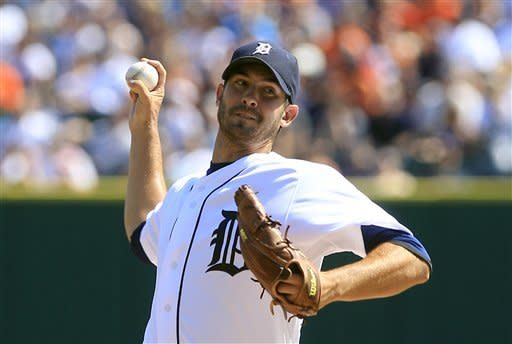Tigers take over first with 7-1 win over White Sox