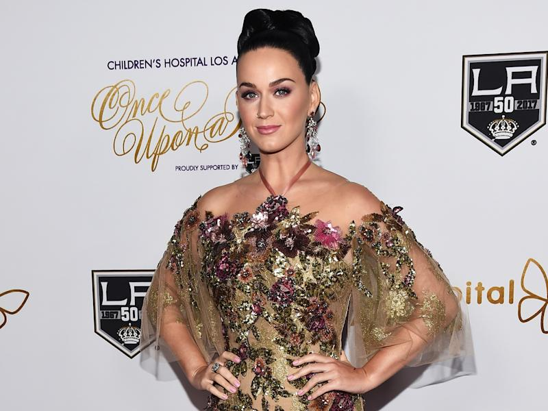 Katy Perry donates 10k to Planned Parenthood