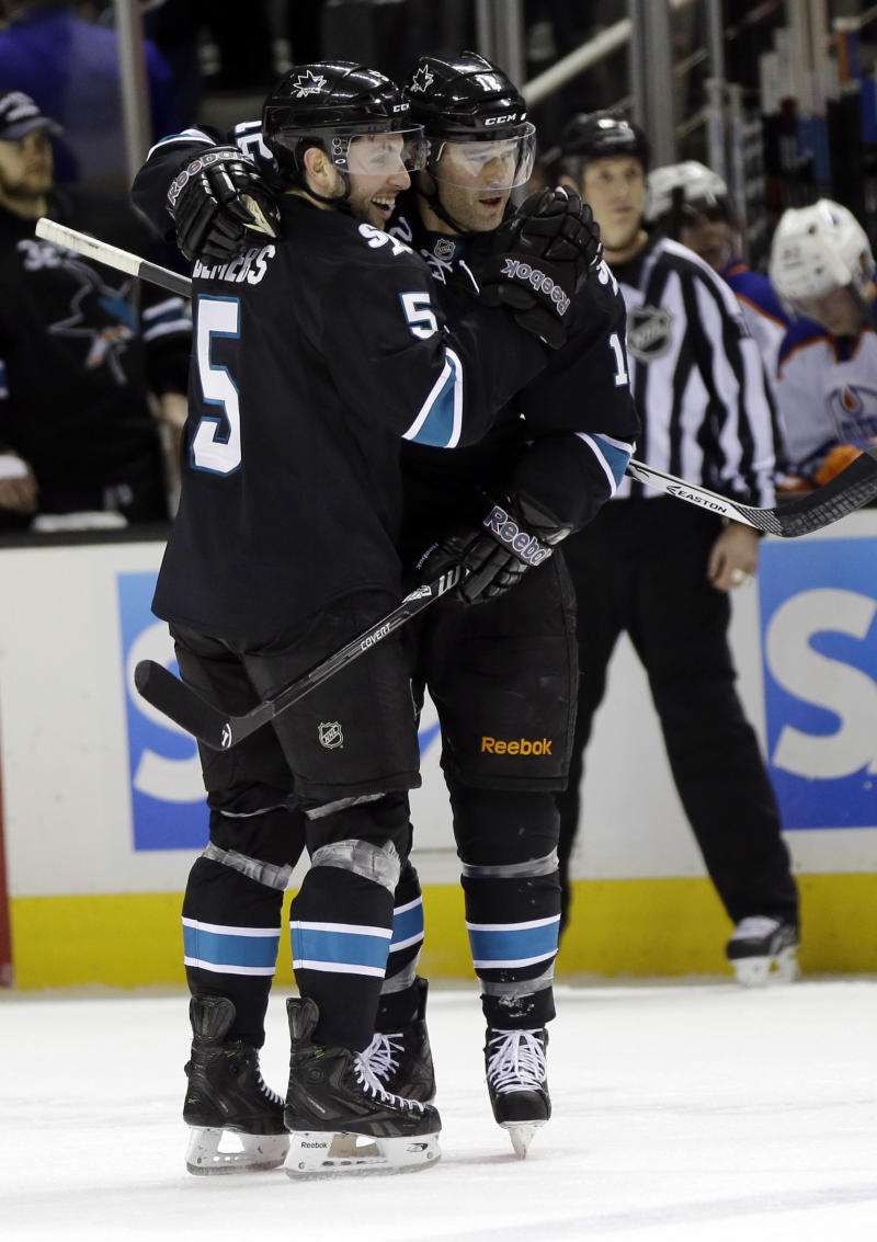 Sharks start fast in 5-1 win vs. Oilers