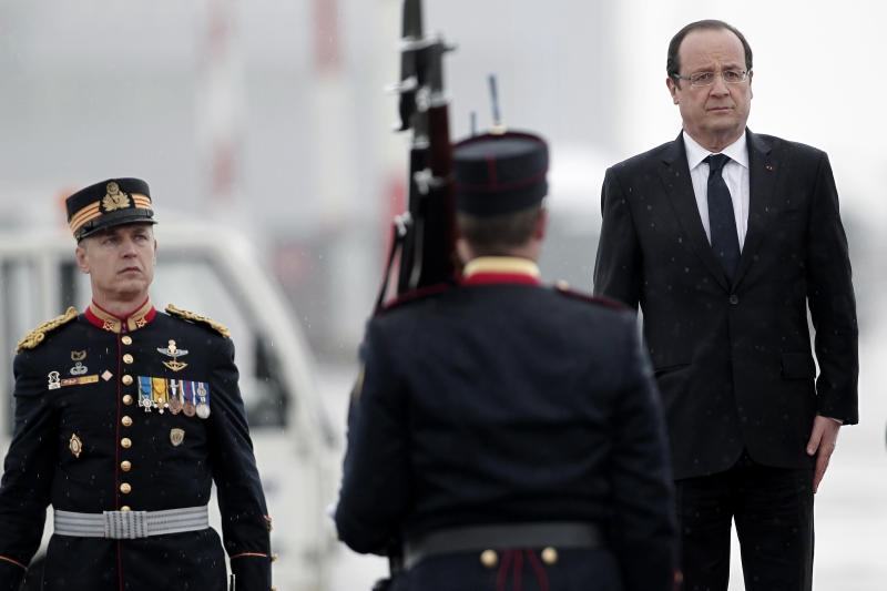 Hollande says France to miss 2013 growth target