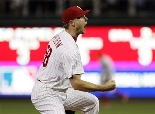 Phillies rally for 7-6 win over Brewers