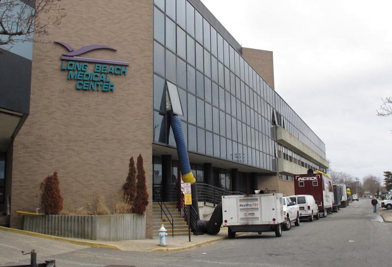 NY fights reopening of hospital damaged by Sandy