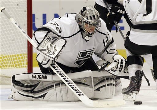 LA's Quick makes 38 saves in NHL-best 5th shutout