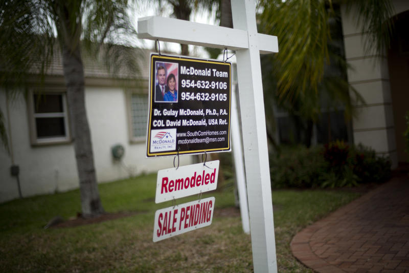 Contracts to buy US homes up, 1st time since June