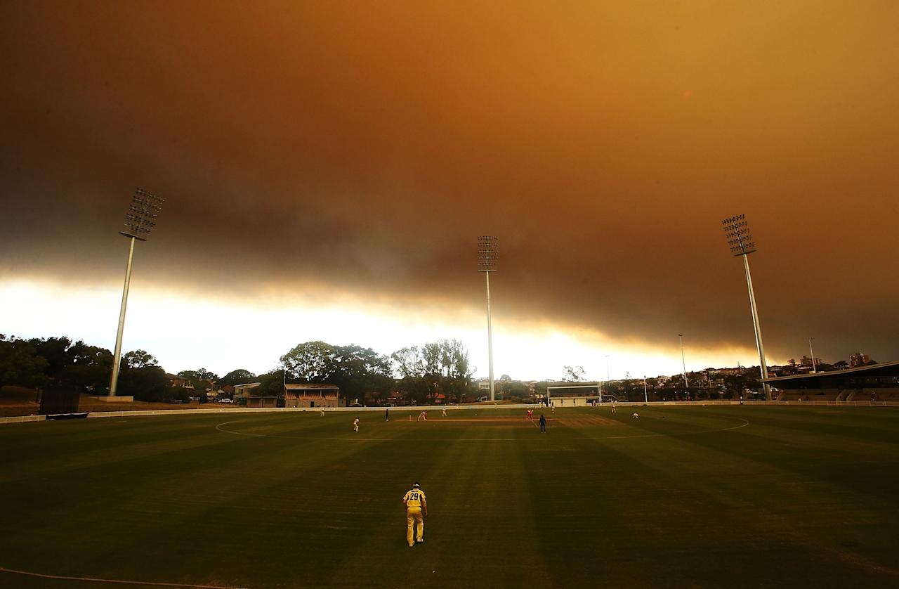 SYDNEY, AUSTRALIA - OCTOBER 17: A general view of play during the Ryobi Cup cricket match between the South Australian Redbacks and the Western Australia Warriors at Drummoyne Oval on October 17, 2013 in Sydney, Australia. Sydney is shrouded in a haze of smoke as brushfires rage in the western Sydney suburbs of Springwood, Winmalee and Lithgow. (Photo by Mark Metcalfe/Getty Images)