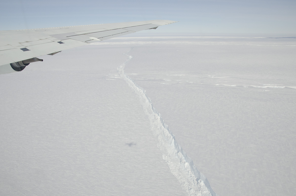 NASA's DC-8 flew over the Pine Island Glacier Ice Shelf on Oct. 14, 2011. (NASA/GSFC)