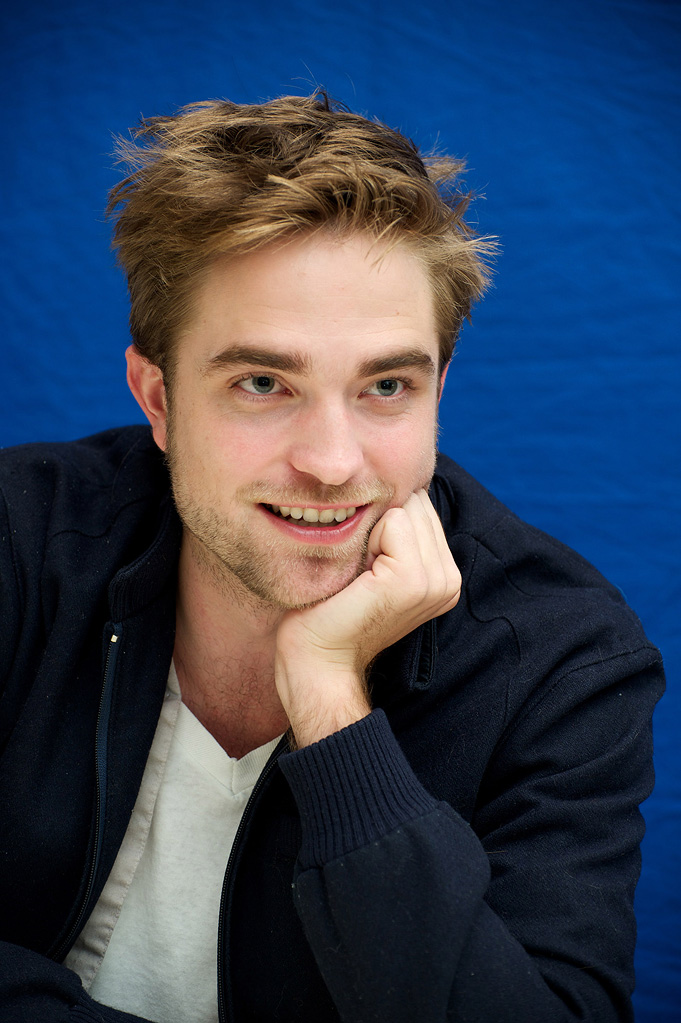 Robert Pattinson Bio Shot