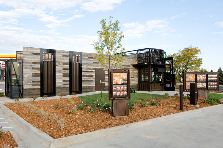 The drive-thru looks bigger than the 500-square-foot building! (Courtesy Starbucks)