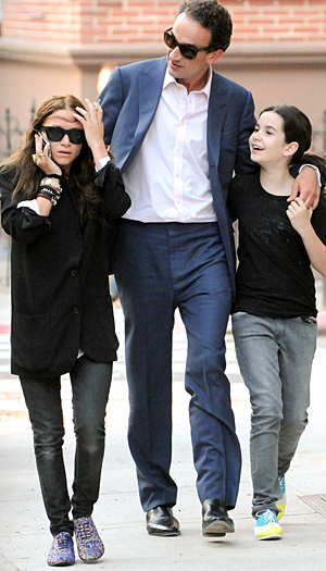 Olsen with her beau and his daughter. (INFDaily.com)