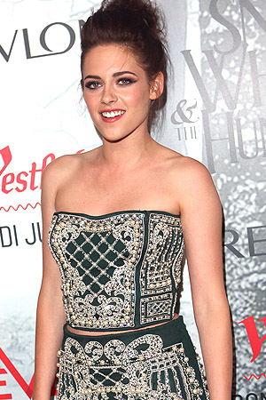 Kristen Stewart Tops List of Highest-Paid Actresses