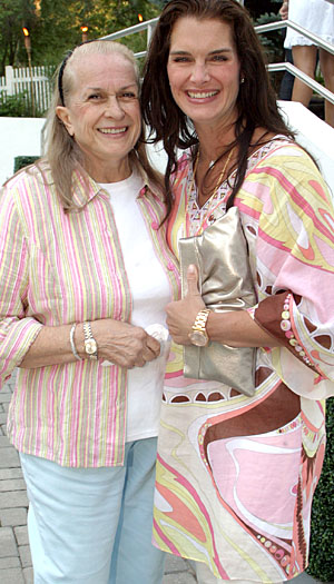 Teri and Brooke Shields. (Getty Images)