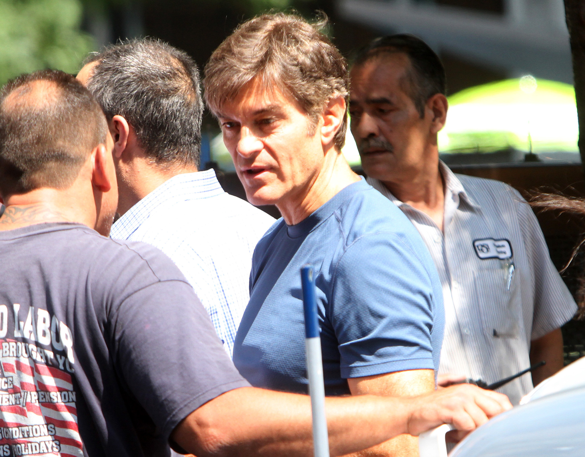 Dr. Oz on the scene (Roger Wong/INFphoto.com)