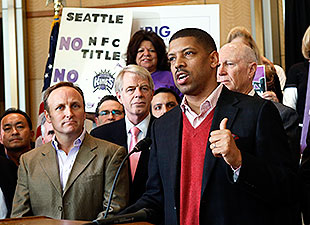 Kevin Johnson has helped put together a bid to try to keep the Kings in Sacramento. (AP)
