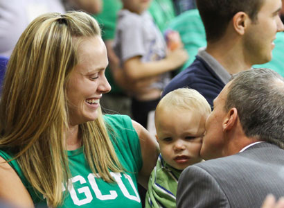 Coach Andy Enfield with wife Amanda and their son Marcum. (Courtesy of Florida Gulf Coast University)