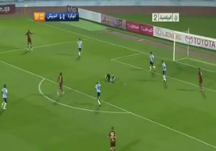 لاعب يرفض التسجيل في مرمى منافسه لسقوط الحارس في قطر