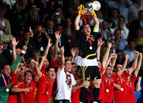"""يورو 2008: انتقام """"الجد"""" أراجونيس!"""