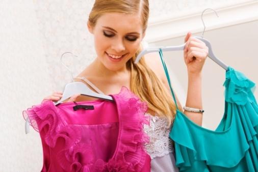 دلالات الألوان في عيد الحب Dresses-JPG_085717