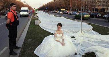 طرحة زفاف بطول 2 كيلو متر 1-jpg_074204.jpg