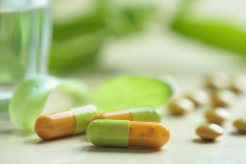 حبوب الفيتامينات والأعشاب.. ما فائدتها؟ 92206231-jpg_145646.