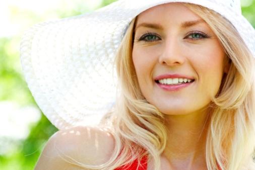 10 نصائح لأفضل ماكياج فى الأجواء الحارة  و اعرفي ألوان ماكياجك هذا الصيف Summer-make-up-JPG_083652