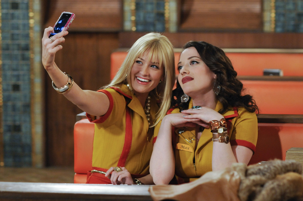 "Caroline and Max in ""2 Broke Girls"""