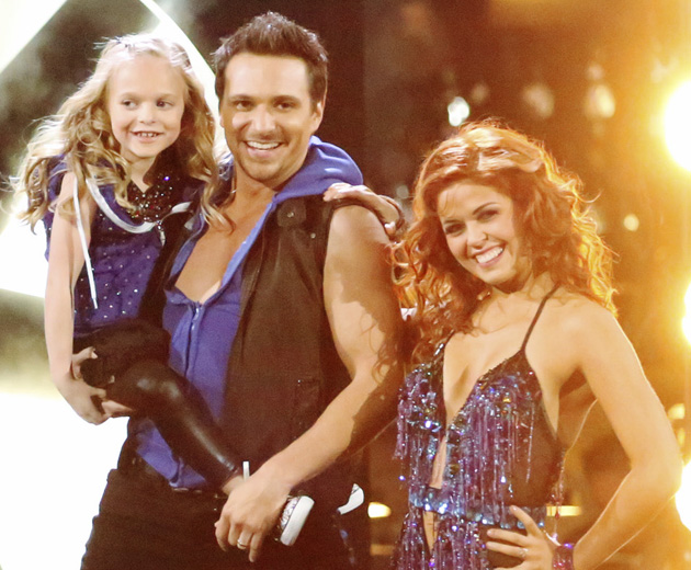 Drew Lachey with his daughter Isabella and pro partner Anna Trebunskaya