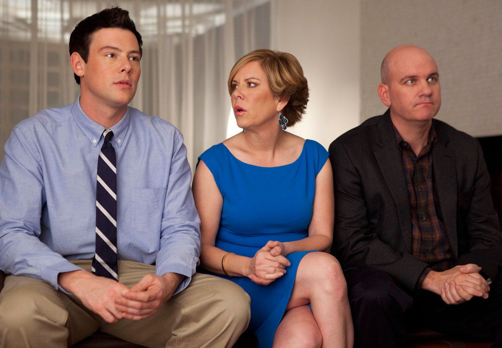 Finn (Cory Monteith), Carole (Romy Rosemont), and Burt (Mike O'Malley) in the