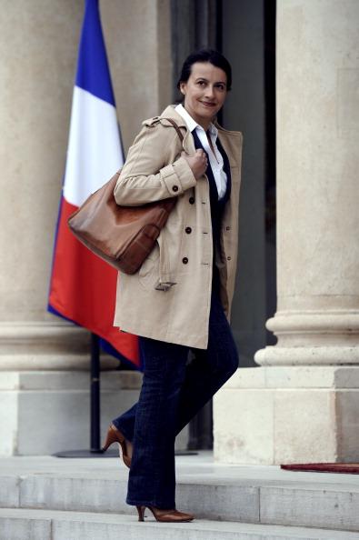 وزيرة فرنسية تثير ضجة بحضورها اجتماع