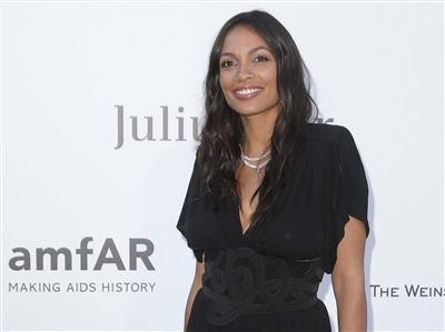 Stars Dazzle at AmfAR Auction