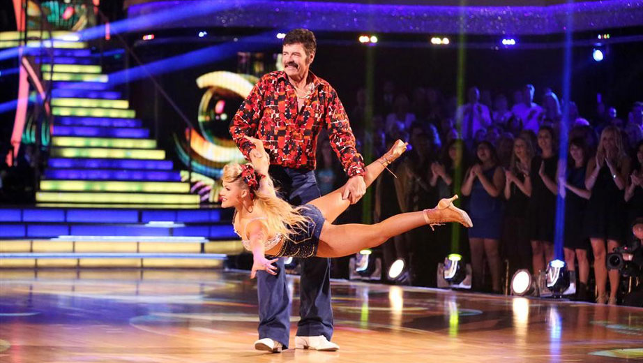 NASCAR.com's Lesley Robins talks to Michael Waltrip about his recent performance on ABC's Dancing With The Stars and this week's upcoming race in Talladega.
