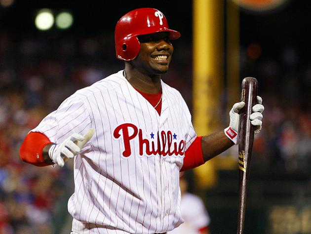 Ryan Howard suffers broken toe in on-deck circle mishap, done f…