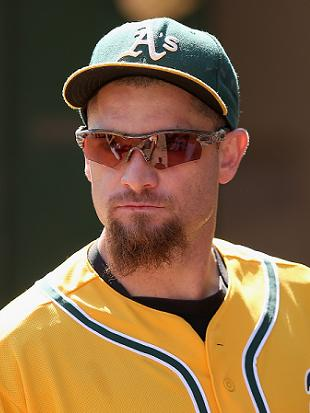 A's donate one full playoff share to charity at Jonny Gomes' re…