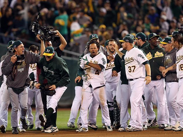 ALDS Game 4: A's rally in ninth to stun Tigers, keep their amaz…
