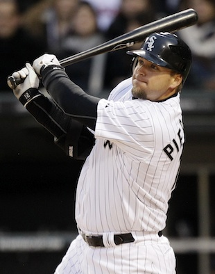 A.J. Pierzynski signs one-year deal with Texas
