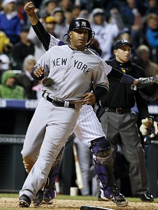 Vernon Wells handles grounder in debut at third base, homers to…