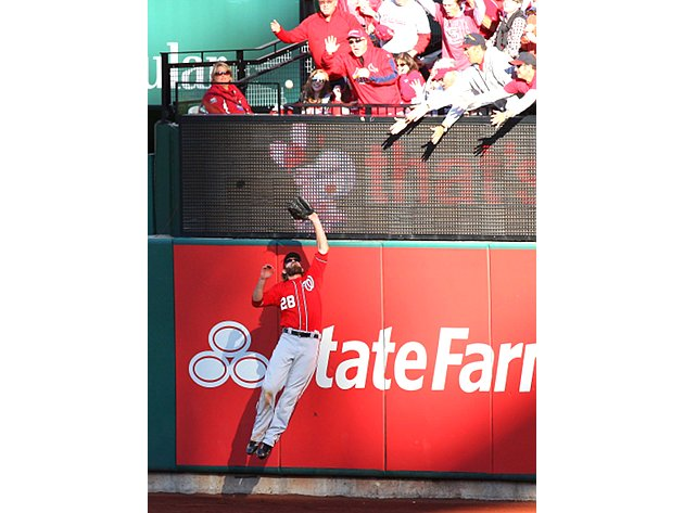 Jayson Werth robs Cardinals with great catch at fence (Video)