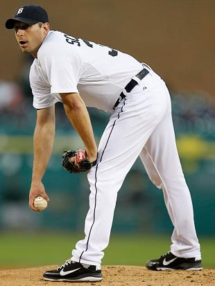Max Scherzer and Quintin Berry exit Tigers win with shoulder ai…