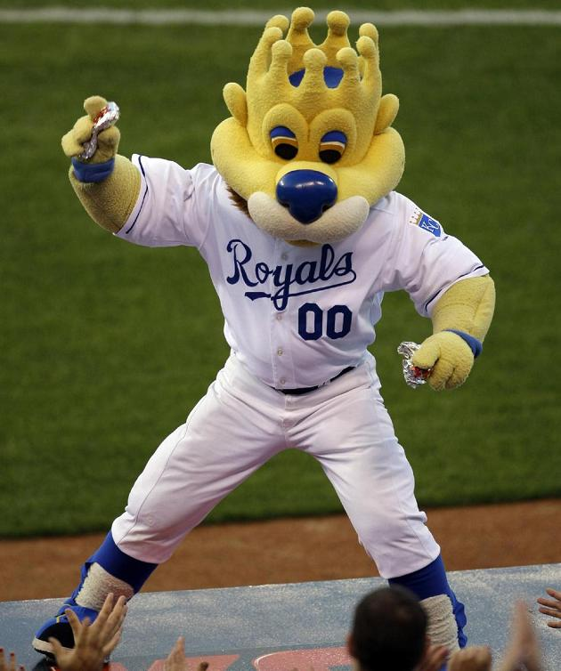 Fan injured by flying hot dog takes case against Royals to Supr…