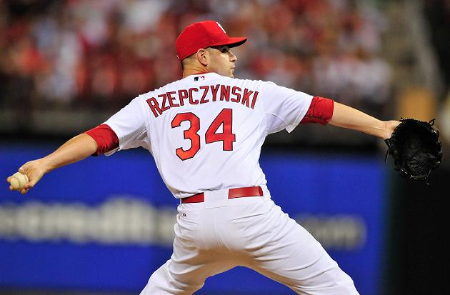 Cardinals teammates unsuccessfully attempt to spell Marc Rzepcz…