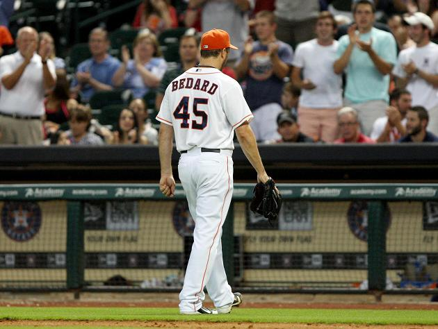 Astros' starter Erik Bedard pitches 6 1/3 no-hit innings agains…