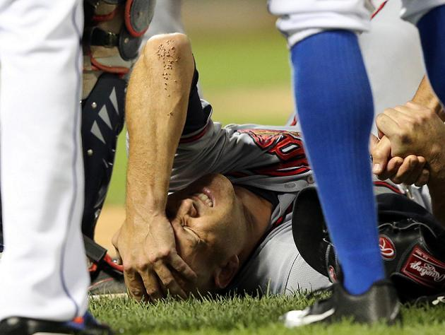 Tim Hudson out for season after suffering fractured right ankle