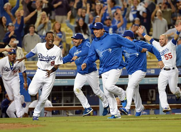 Dodgers complete crazy comeback on Fernando Rodney's throwing e…
