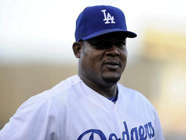 Dodgers bring back clubhouse favorite Juan Uribe on two-year de…