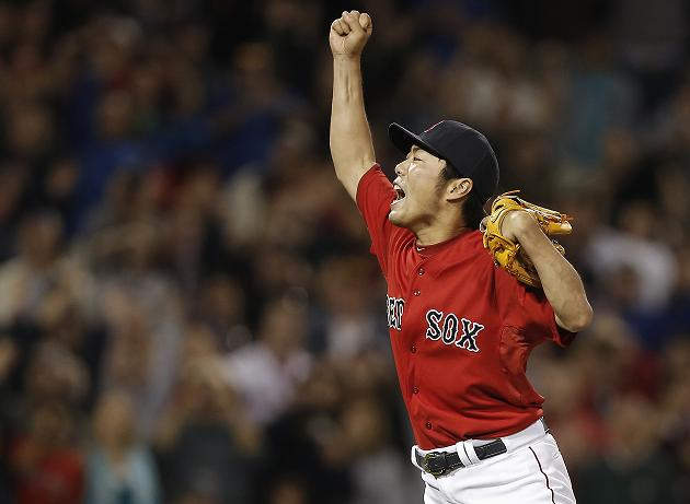 Red Sox clinch first AL East title since 200