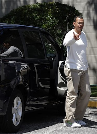A-Rod takes the field for first time since surgery, says he fee…