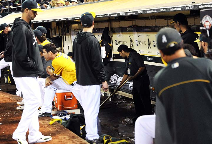 Athletics agree to lease extension that will keep them in Oakla…